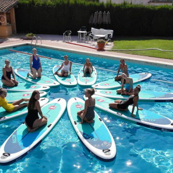 Clases de SUP Yoga Barcelona piscina